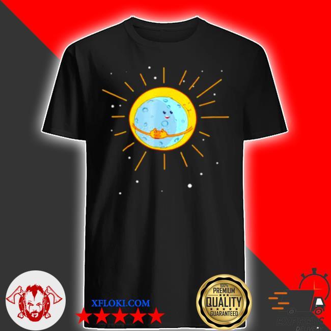 The sun gives the moon a hug shirt